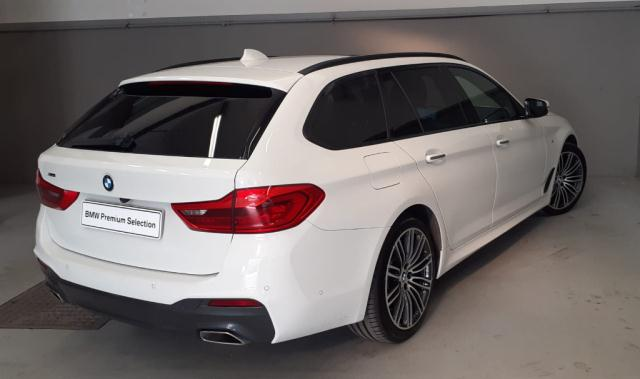 Bmw Serie 5 520d xDrive Touring Msport det.2