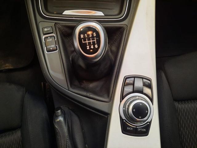 Bmw Serie 3 320d xDrive Touring Modern det.8