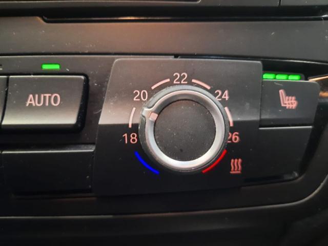 Bmw Serie 3 320d xDrive Touring Modern det.10
