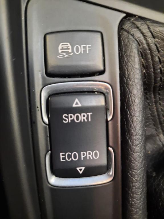 Bmw Serie 3 320d xDrive Touring Modern det.12