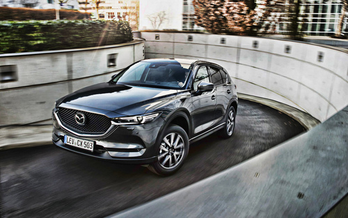 2020 mazda cx 5 front view exterior gray crossover